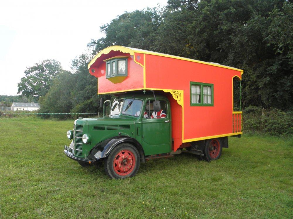 camping car bedford 1950 de nadia et michel page 1 camping cars a n n e x e. Black Bedroom Furniture Sets. Home Design Ideas