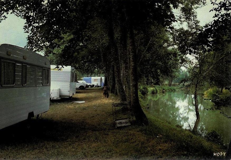 1506671614_camping_municipal_du_gers.jpg