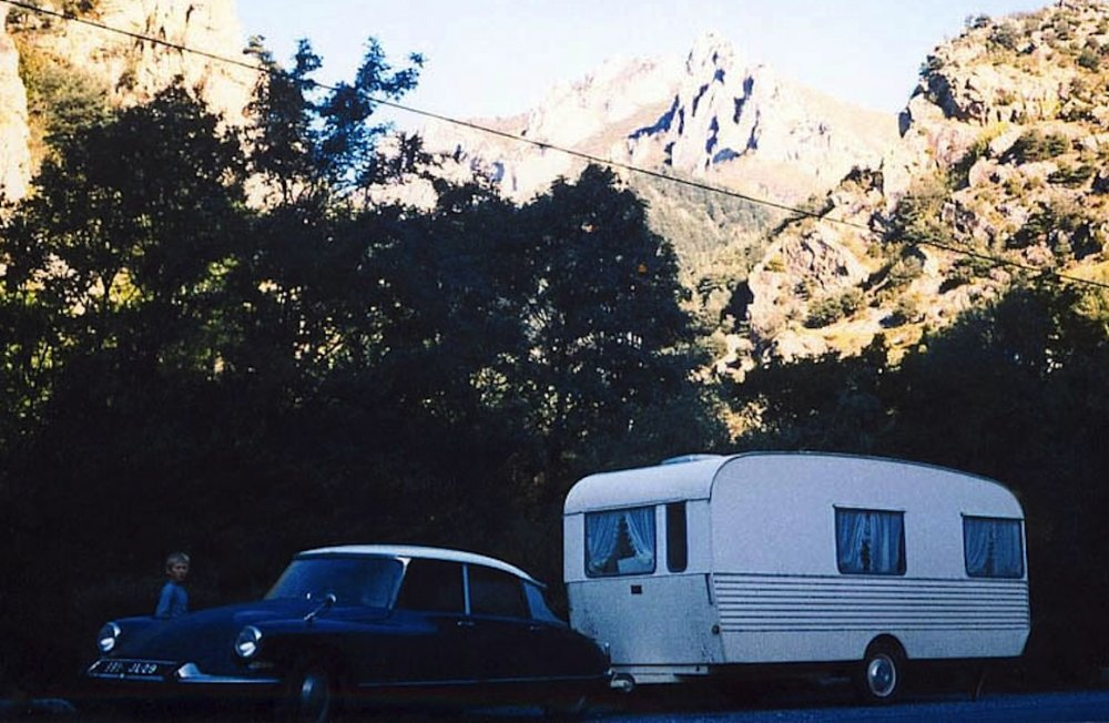 1546032170_caravane.jpg
