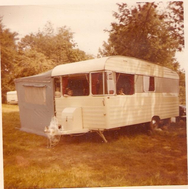 1398074340_la_caravane__-_1972.jpg