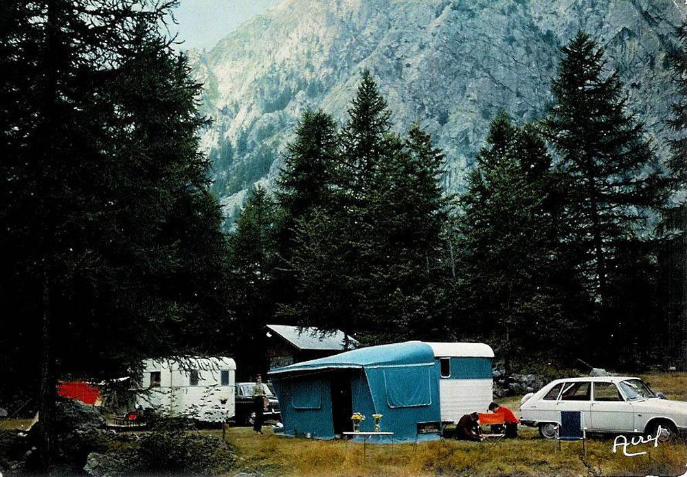 1411022078_cp_camping-d_ailefroide_hau.jpg