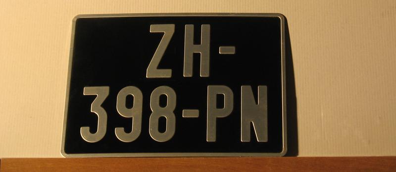 1469193999_noires-auto-modele3.png