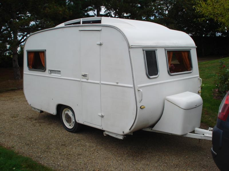 repeindre caravane amazing agrandissez lespace with repeindre caravane awesome caravane. Black Bedroom Furniture Sets. Home Design Ideas