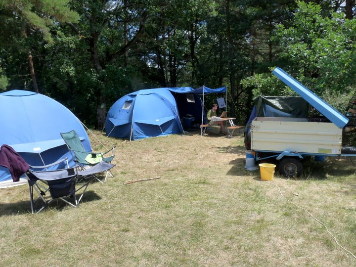 1368997275_camp_2011.jpg