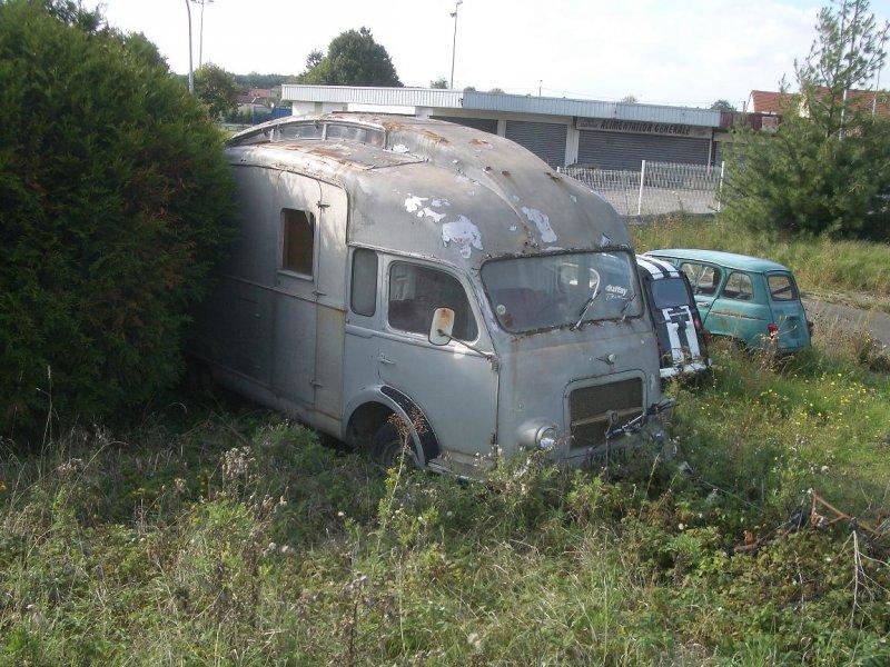 camping cars sur base renault go lette et galion page 1 camping cars a n n e x e. Black Bedroom Furniture Sets. Home Design Ideas