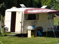 camping cars sur base renault go lette et galion page 1 camping car a n n e x e. Black Bedroom Furniture Sets. Home Design Ideas